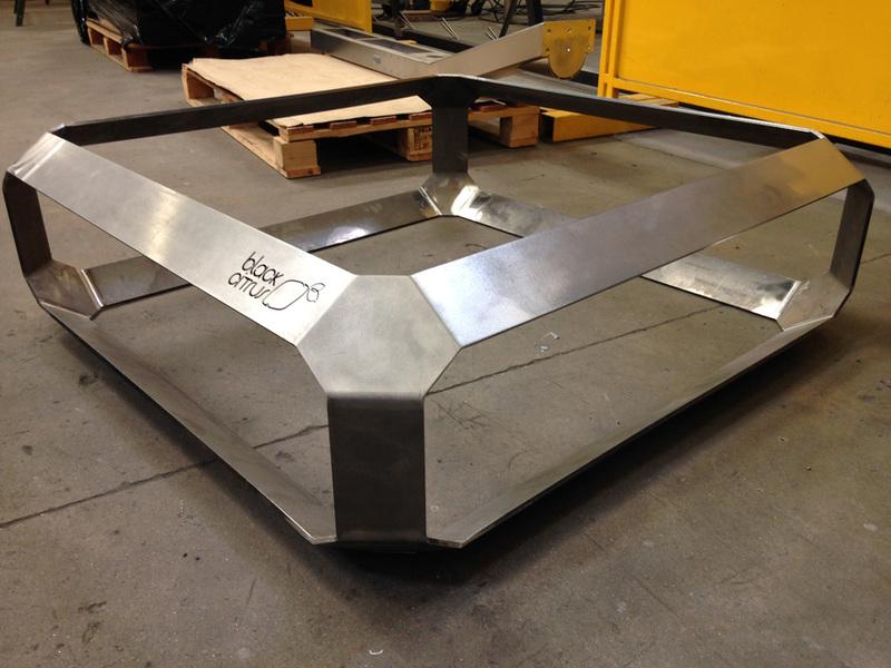 Table basse design inox