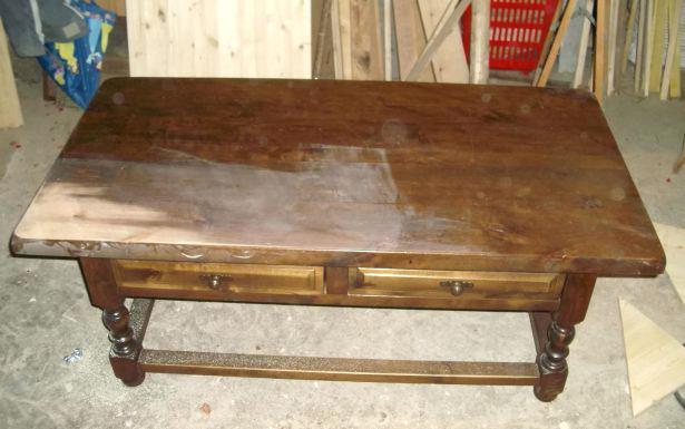 Relooker une table basse ronde en bois