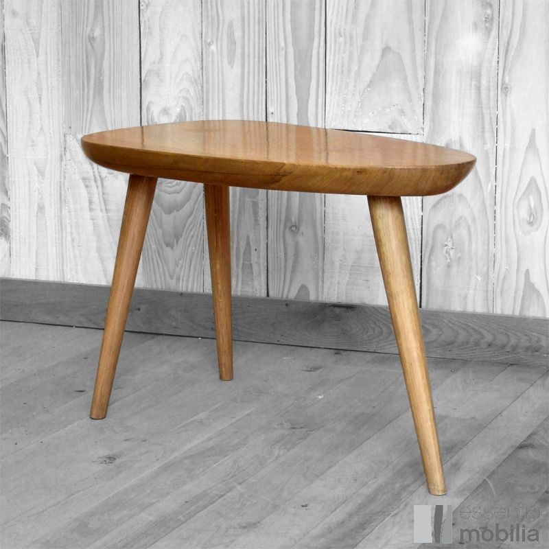 Table basse bois trois pieds