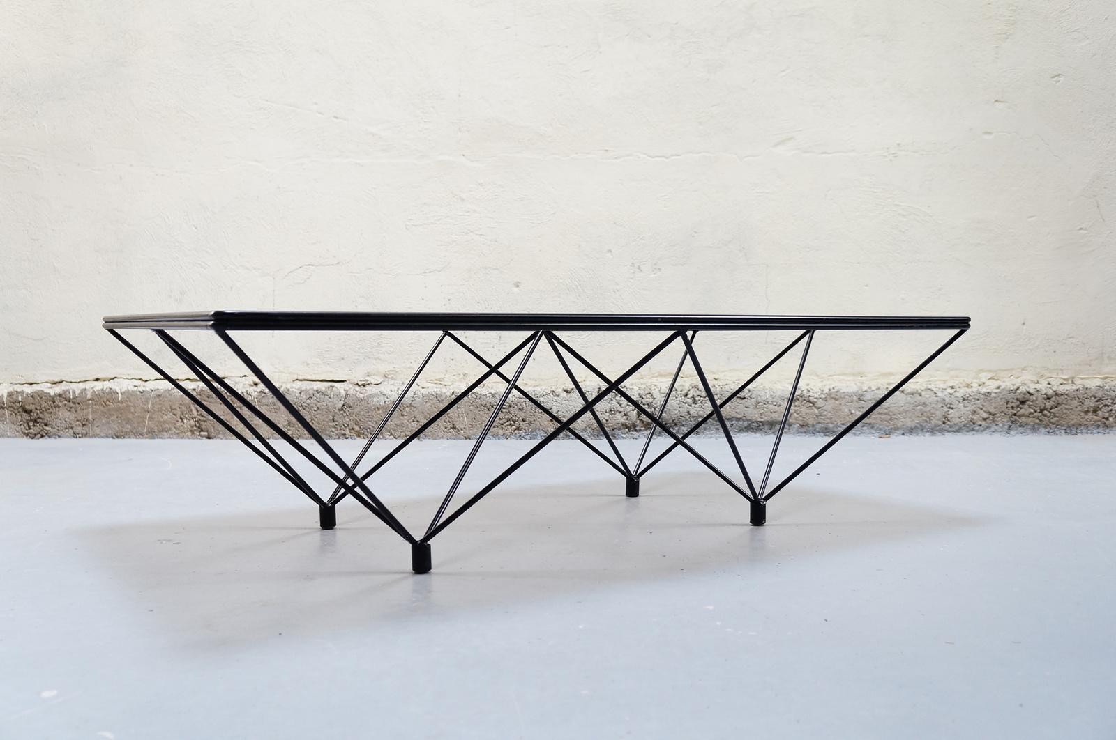Table basse design en verre italien