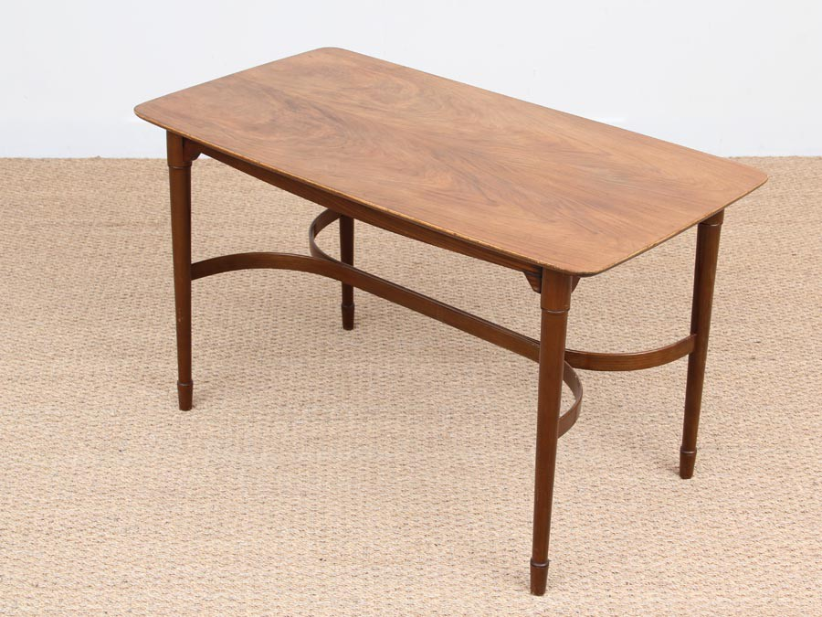 Table basse noyer scandinave